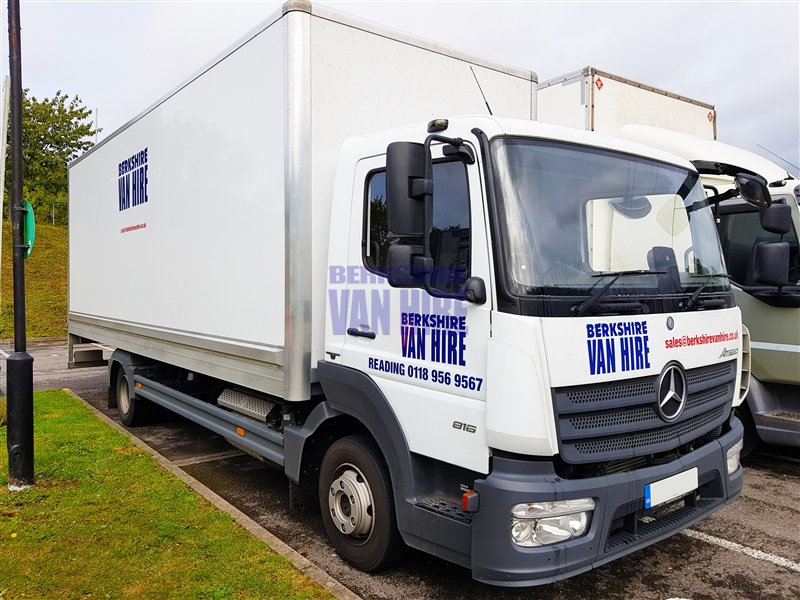 Atego_816_7.5_ton_TAIL_LIFT Hire Costs
